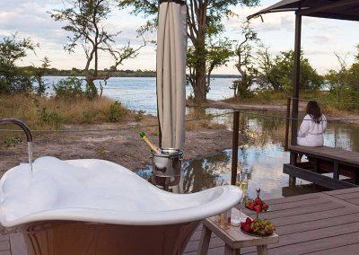 Suites Outside Bath